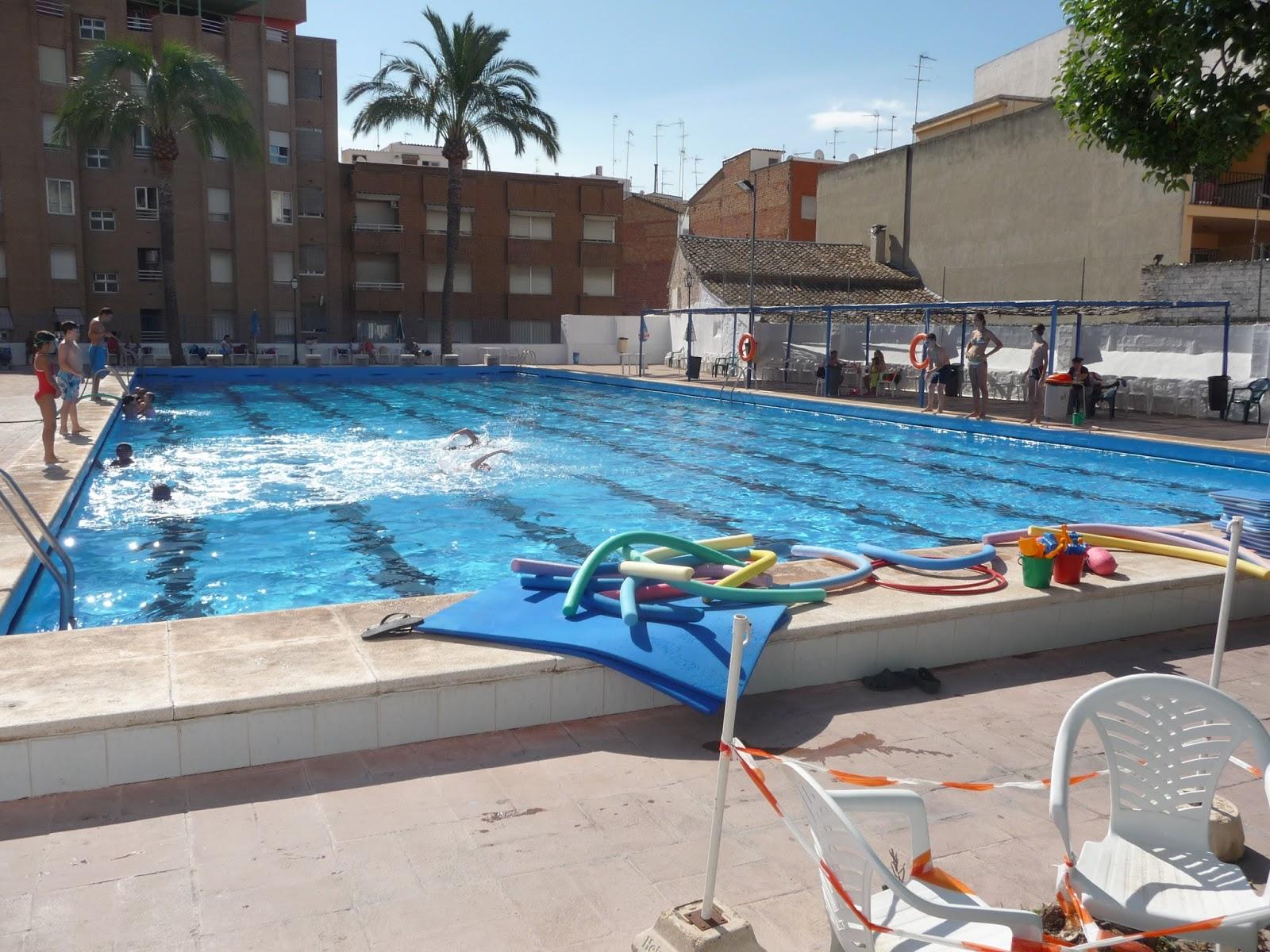 Esport lliria instalacions esportives for Piscina municipal lliria