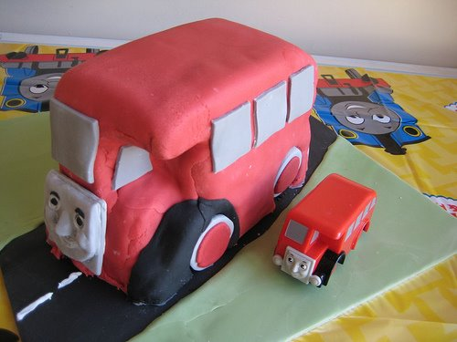 A Bertie the Bus cake