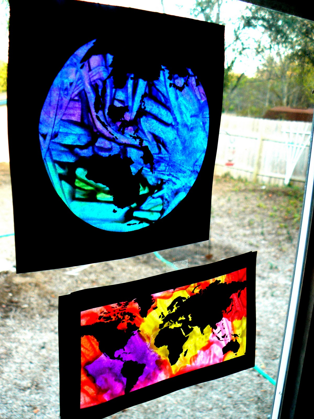 Having fun at home an easy stained glass craft technique for Arts and crafts glass