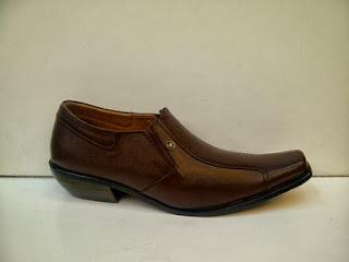 Toko Sepatu Sepatu Gianni Versace murah