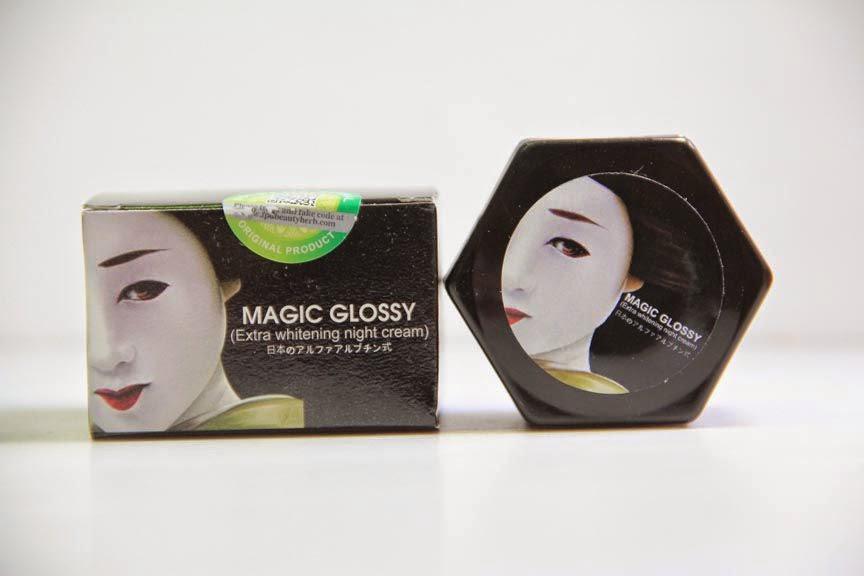 Magic Glossy Extra Whitening Night Cream berkhasiat untuk mencerahkan