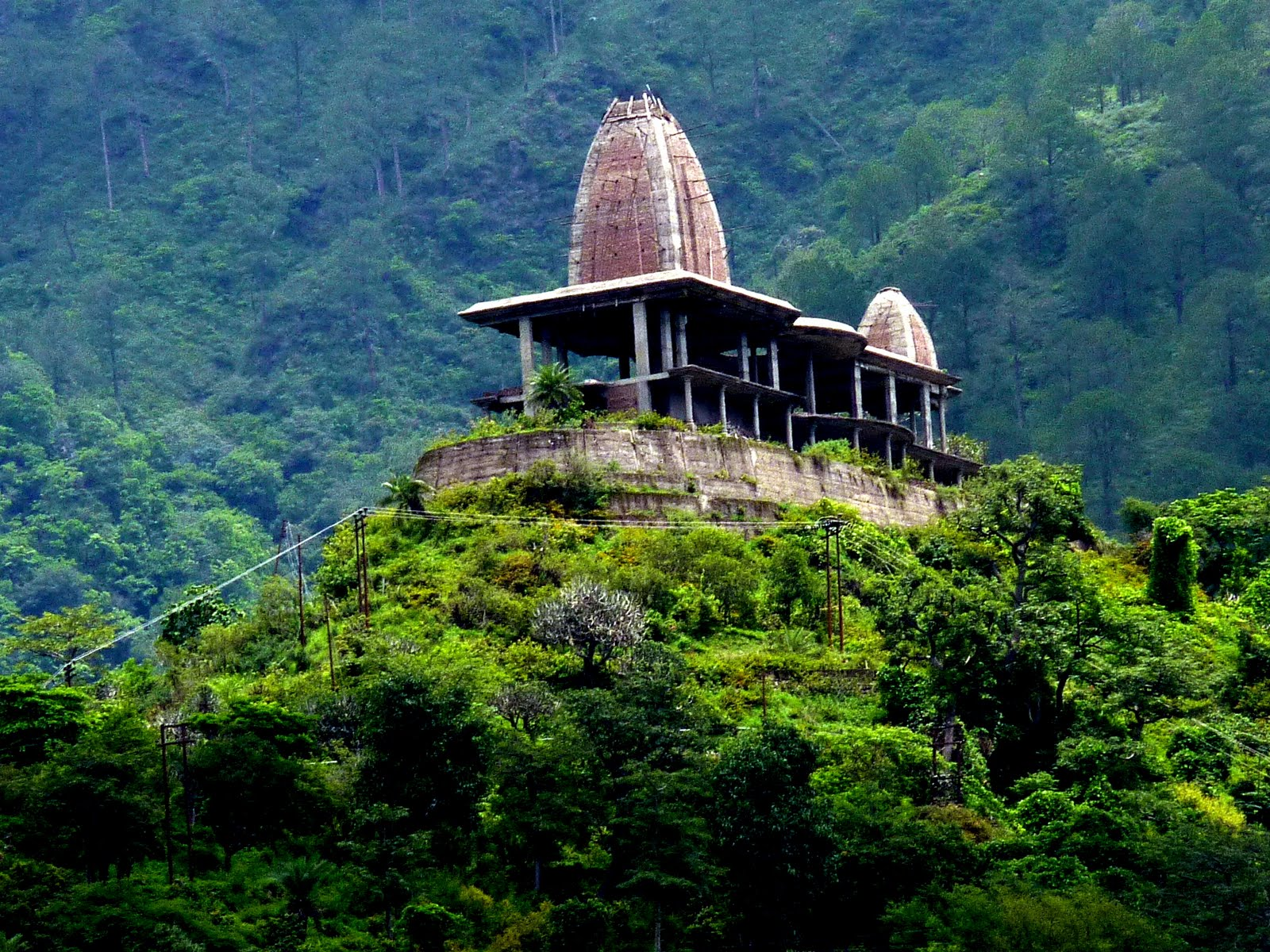 essay on vaishno devi temple Hindu temple - vaishno devi temple: vaishno devi temple the shrine of mata vaishno devi is one of the most visited pilgrim sites in india situated at a height of 5, 300 ft, the site is located inside a cave in a hill.