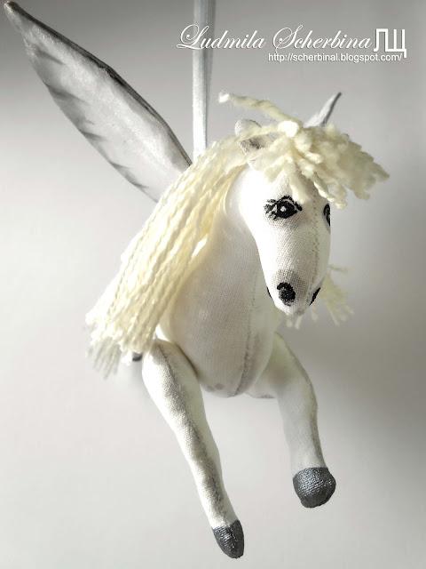 мягкая игрушка конь с крыльями