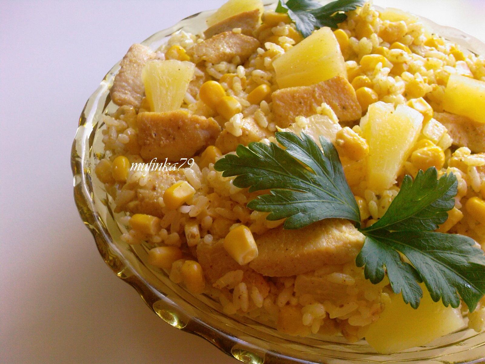 Salatka Curry Z Kurczakiem Ananasem I Ryzem