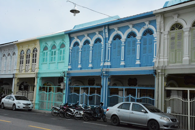 Phuket Town colors