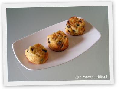 Muffiny z marcepanem i łezkami czekoladowymi