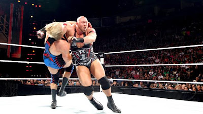 WEL MONEY IN THE BANK 2014 Clothesline+de+Ryback+to+Jack+Swagger