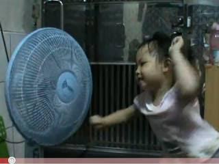 和電風扇吵架 抓妳(趣味短片:和電風扇吵架 叫虎姑婆來抓你)
