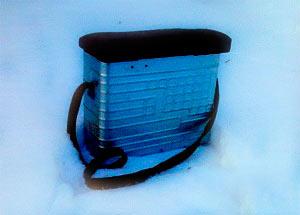 Самодельный рыболовный ящик из морозилки