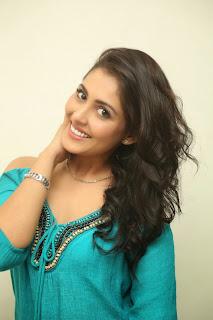 actress madhu shalini new pics hd (4)