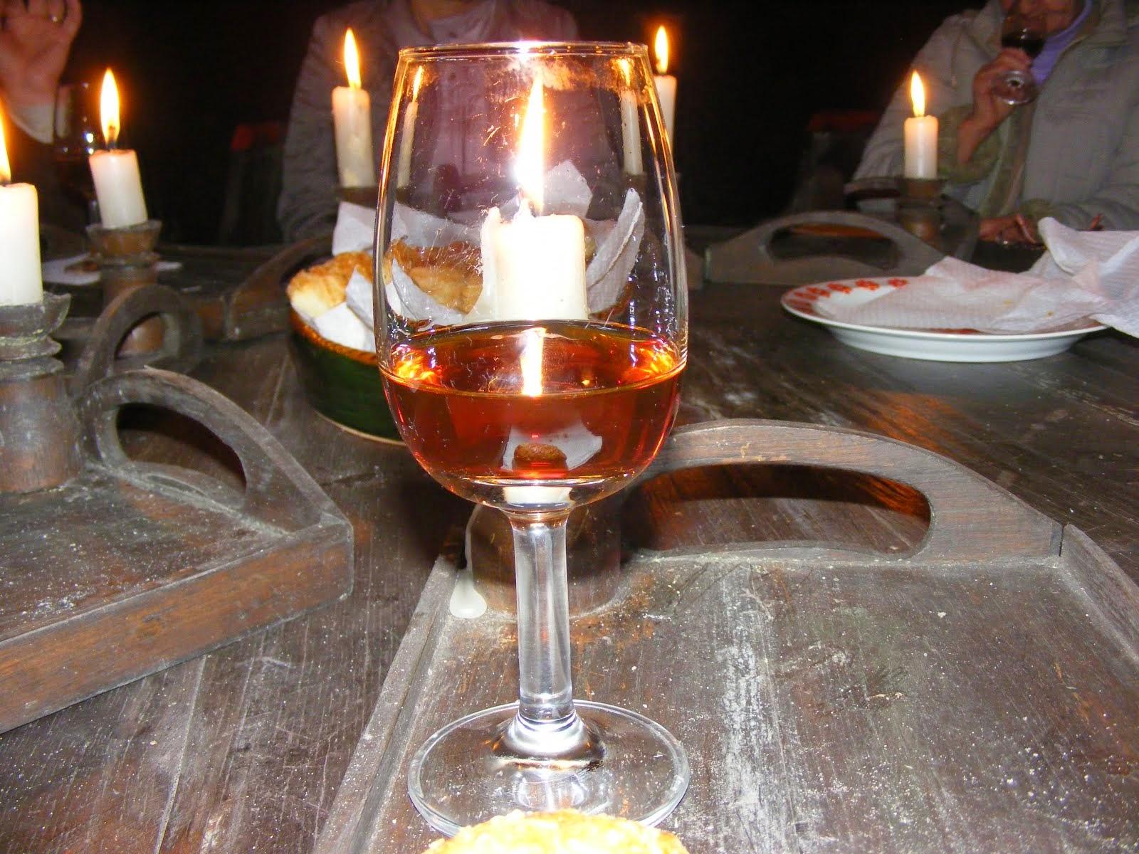 Pincelátogatás a helyi pincékben borkostolással és vacsorával egybekötve