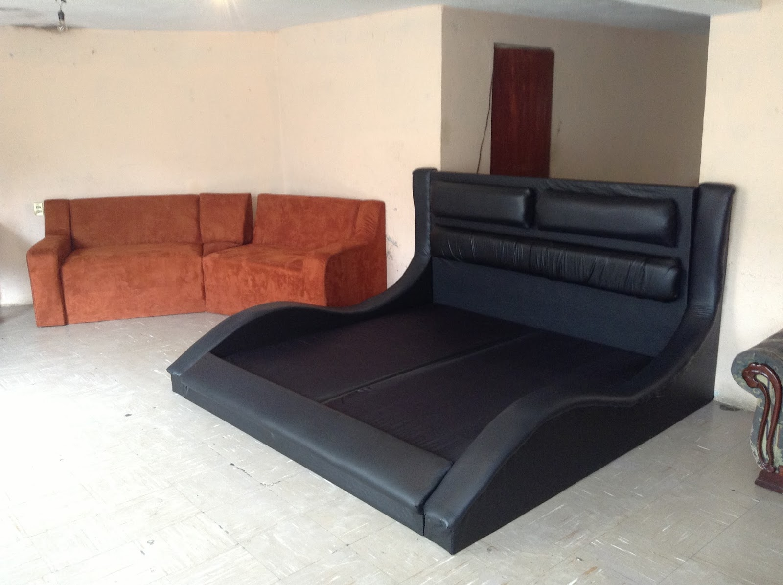 Recamaras muebles novostilo for Modelos de recamaras king size