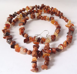 Carnelain, goldstone and red agate jewelry set