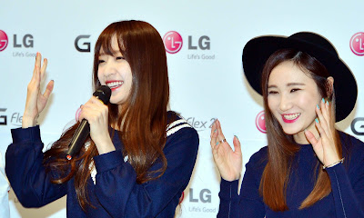 LG EXID Fansign Hani LE