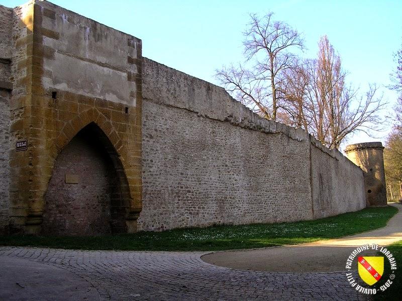 METZ (57) - Remparts médiévaux