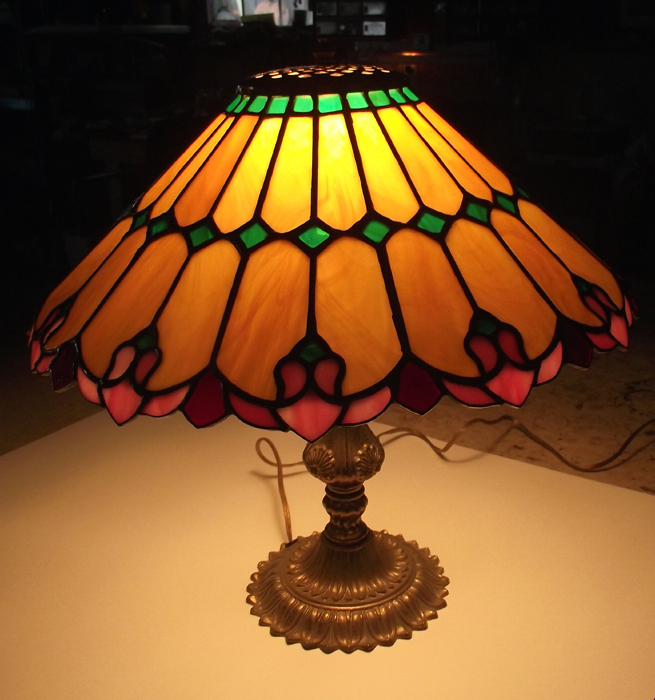 glass blog yesteryear a stained glass art nouveau lamp for sale. Black Bedroom Furniture Sets. Home Design Ideas