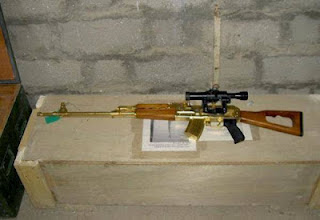 Koleksi Gambar Senjata Api Saddam Hussein Yang Di Perbuat Dari Emas