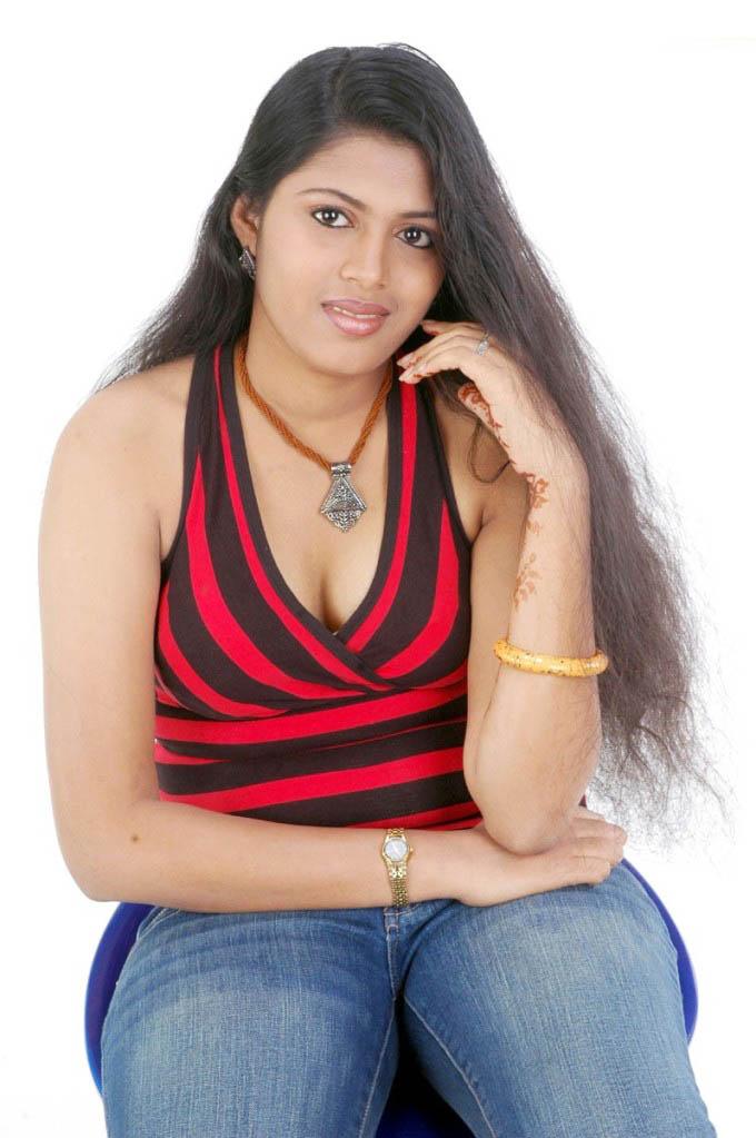 http://2.bp.blogspot.com/-Zv2DmwnxbXc/TfMlFCI4UPI/AAAAAAAAIQQ/Ci39Aol6EMs/s1600/Arithaaram%2B_10_-0006indian%2Bmasala_01indianmasala.blogspot.com.jpg