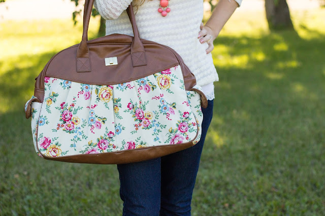 Floral purse - from Pretty Little Details.