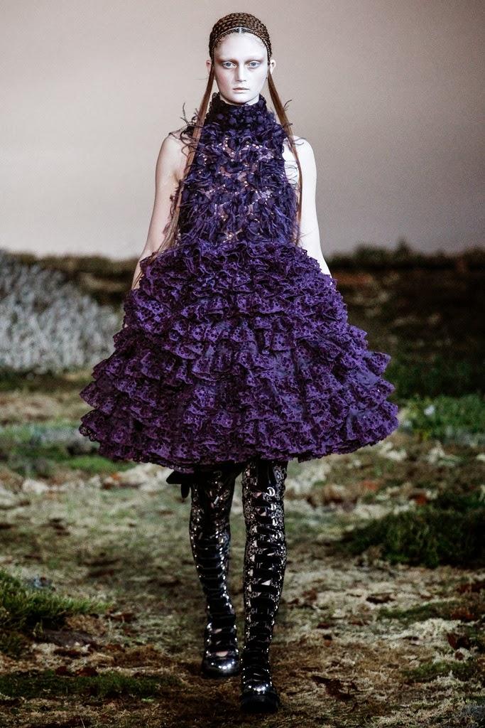 Alexander McQueen Paris Fashion Week Otoño Invierno 2014-2015 25