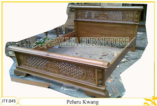 Tempat tidur ukiran kayu jati Peluru Kwang