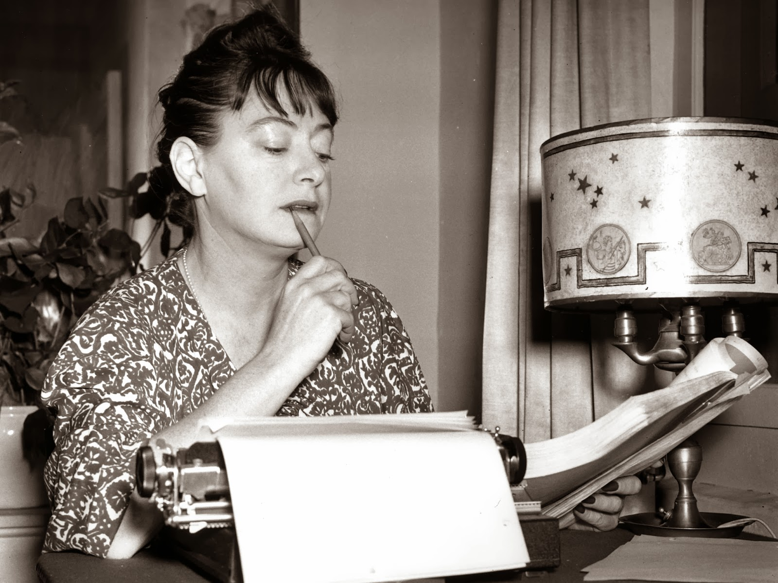 dorothy essay parkers By collection dorothy duncan essay favorite parker quagmire collection dorothy essay parker search for.
