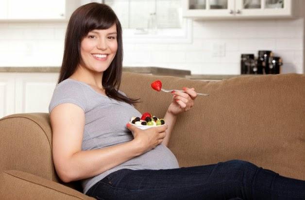 Persiapkan Kelahiran dengan Senam Hamil Saat Usia Janin 8 Bulan