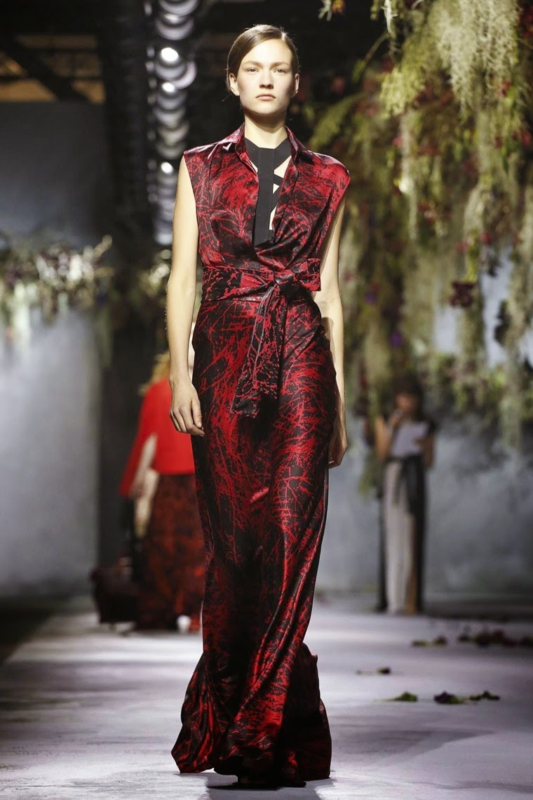 Vionnet, Vionnet AW15, Vionnet FW15, Vionnet Fall Winter 2015, Vionnet Autumn Winter 2015, Vionnet fall, Vionnet fall 2015, du dessin aux podiums, dudessinauxpodiums, Goga Ashkenazi, vintage look, dress to impress, dress for less, boho, unique vintage, alloy clothing, venus clothing, la moda, spring trends, tendance, tendance de mode, blog de mode, fashion blog, blog mode, mode paris, paris mode, fashion news, designer, fashion designer, moda in pelle, ross dress for less, fashion magazines, fashion blogs, mode a toi, revista de moda, vintage, vintage definition, vintage retro, top fashion, suits online, blog de moda, blog moda, ropa, asos dresses, blogs de moda, dresses, tunique femme, vetements femmes, fashion tops, womens fashions, vetement tendance, fashion dresses, ladies clothes, robes de soiree, robe bustier, robe sexy, sexy dress