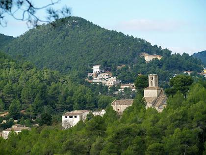 Església de Sant Ponç de Corbera des del camí de Coll Verdaguer