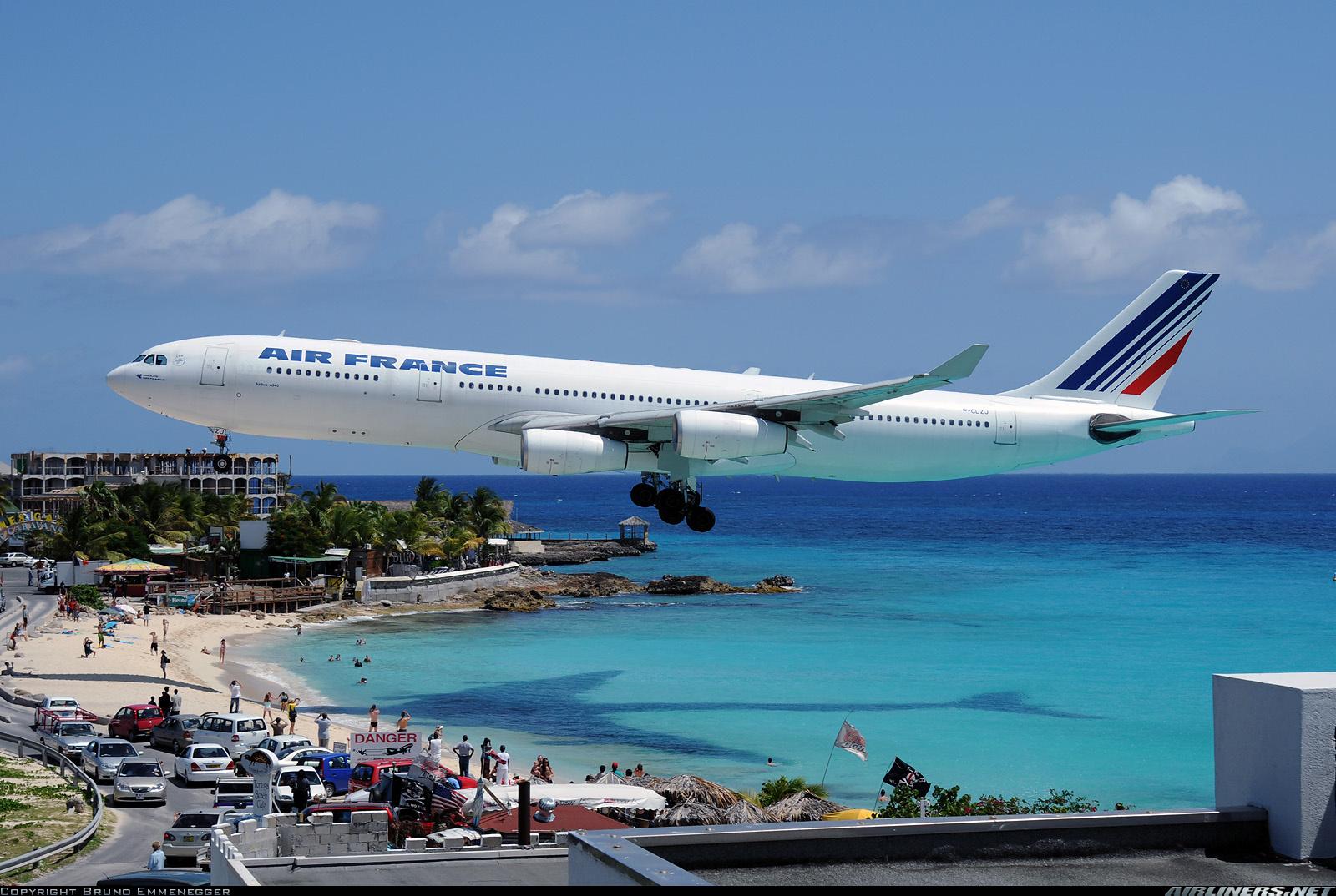 http://2.bp.blogspot.com/-ZvnarNS78Wk/TdfGqQMLH1I/AAAAAAAACgU/9PFObe6mlnE/s1600/Aircraft+wallpaper+airbus+a340.jpg