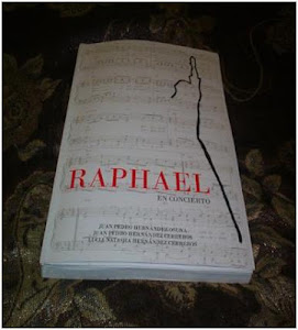 """Libro """"Raphael en concierto"""" de Juan Pedro Hernández"""