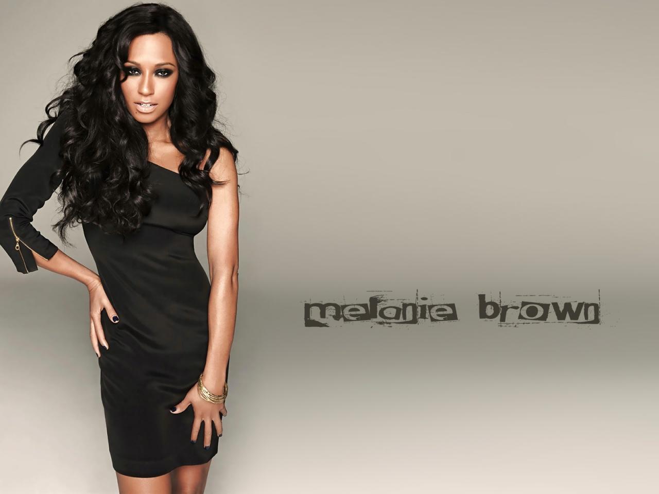 http://2.bp.blogspot.com/-ZvwmTXLrNNM/TzBB70sgLfI/AAAAAAAABTM/UI4fr1aK3Uo/s1600/melanie_brown_12523_mel_b39_122_707lo-1280x960.jpg
