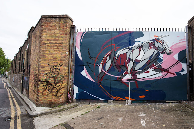 Irish artist James Earley recently stopped by London and Dublin where he managed to paint two new pieces for the locals to enjoy.