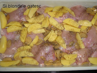 pulpe de pui cu cartofi si ciuperci la cuptor