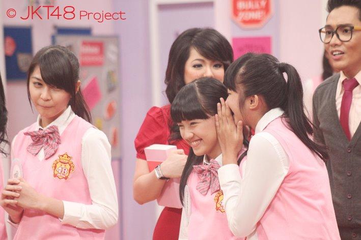 Ve , cindy dan ochi di JKT48 School episode 3