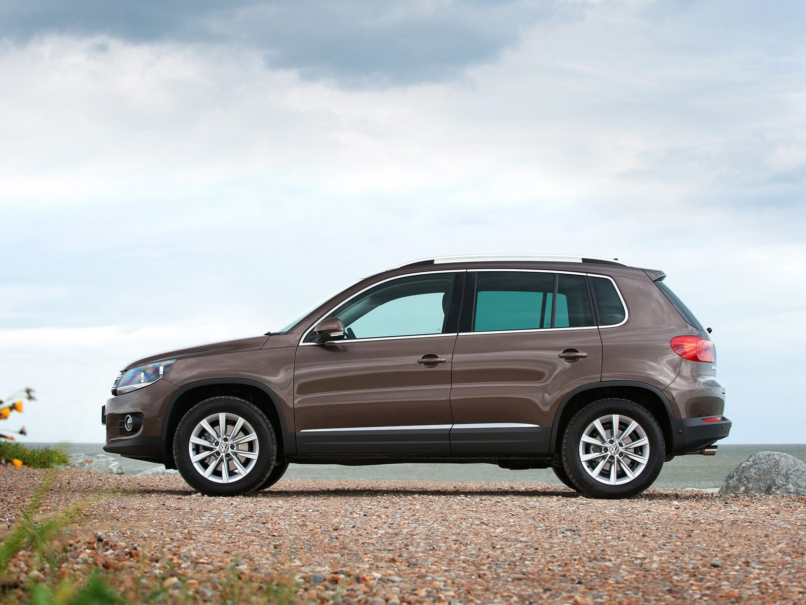 2012 vw tiguan volkswagen wallpapers review features. Black Bedroom Furniture Sets. Home Design Ideas