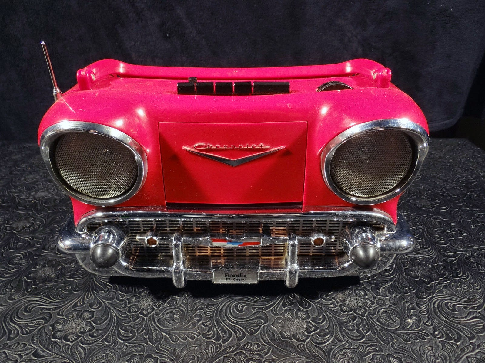 RANDIX RED '57 CHEVY AM/FM STEREO/RADIO CASSETTE PLAYER missing power supply