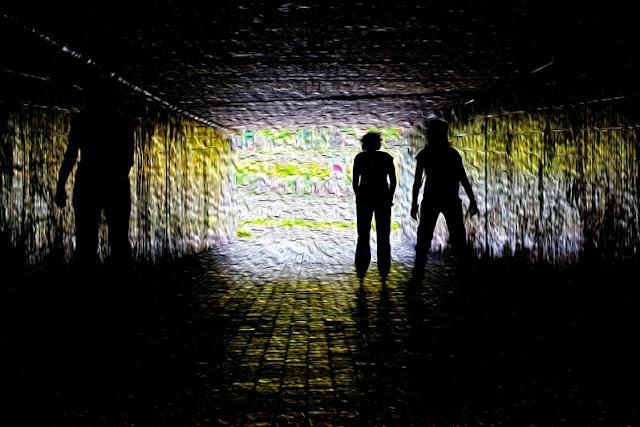 Stadtleben - Saarbrücken - Tunnel - Stadtautobahn - Hell-Dunkel
