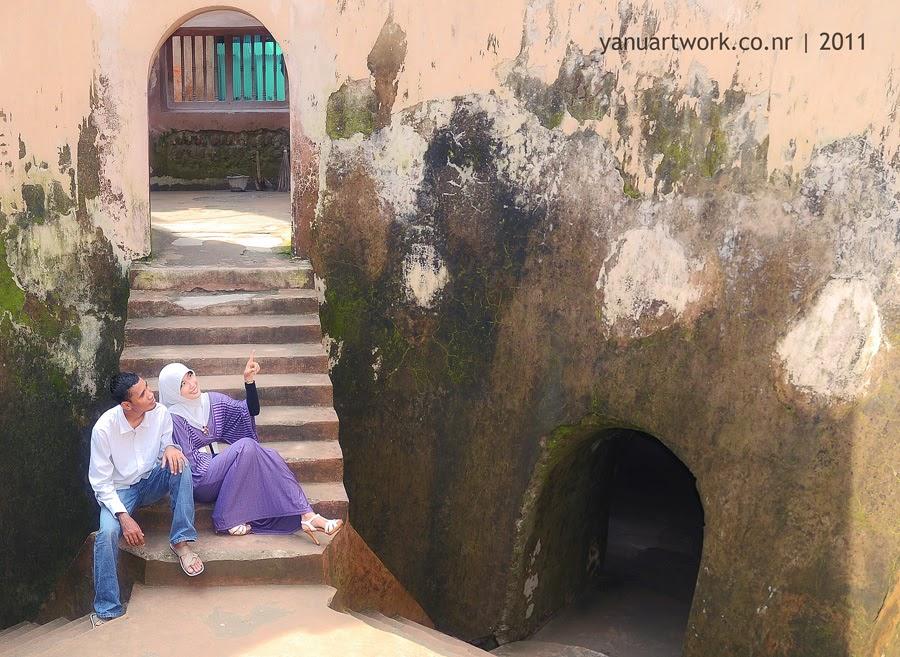 Contoh Foto Pre Wedding di Taman Sari