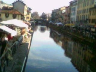 Mercatino ai Navigli di Milano
