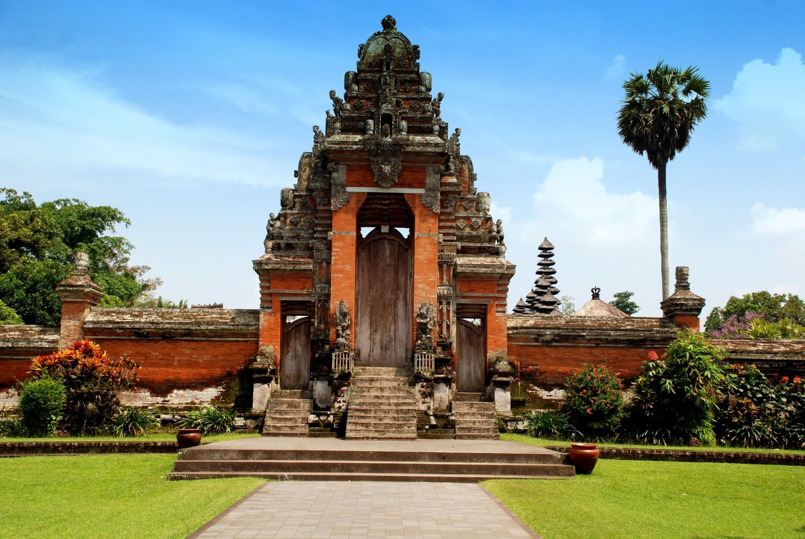 Taman Ayun Temple The Legendary Light Of Bali