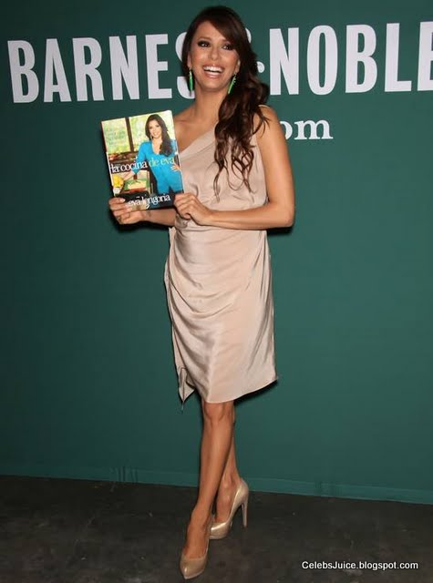 Eva Longoria - Barnes & Nobles in Los Angeles-3