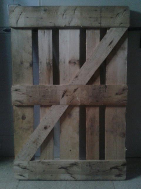 El huerto de javier construcci n de una puerta de jard n - Como hacer sillon de palets ...
