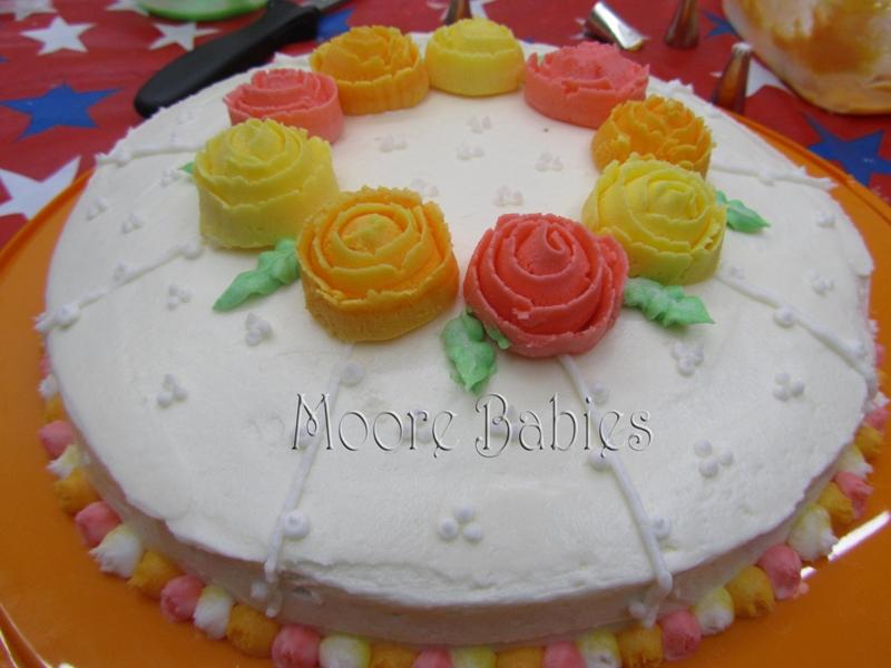 Cake Decorating Wilton : Moore babies: Wilton Cake Decorating: Week #4 {I graduated!}