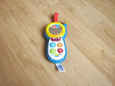 De voorkant van de Vtech speelgoed telefoon