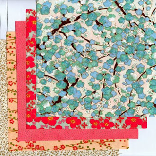 http://www.monuniverspapier.fr/kit-papier-/543-kit-10-papier-japonais-pour-origami.html
