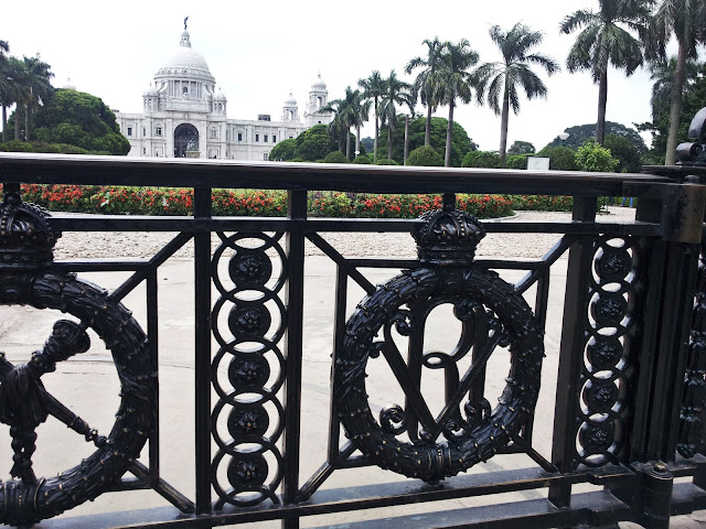 Black gate, intricate design gates, Victoria Memorial gate