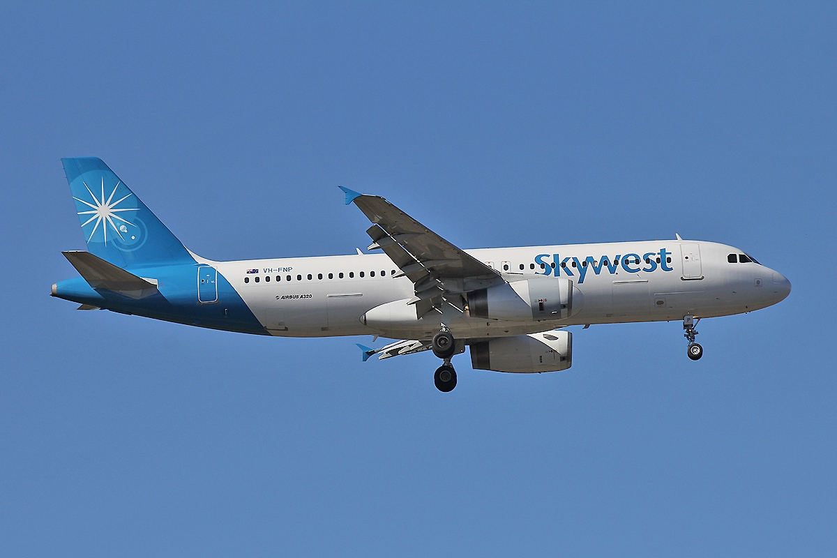 skywest airlines pictures posters news and videos on