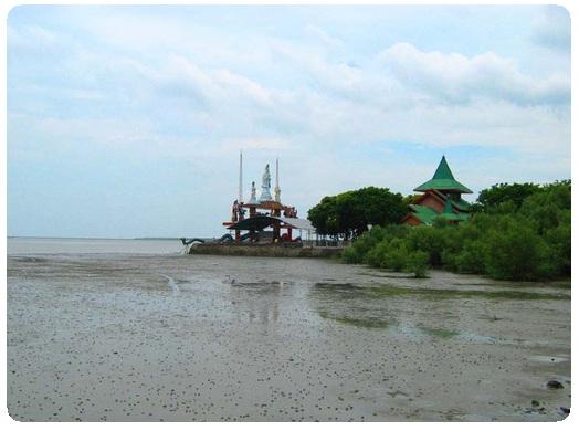 Pantai Kenjeran Merupakan Salah Satu Tempat Wisata Di Surabaya Ini Terletak Kecamatan Kota Sekitar 9 Km Dari Pusat