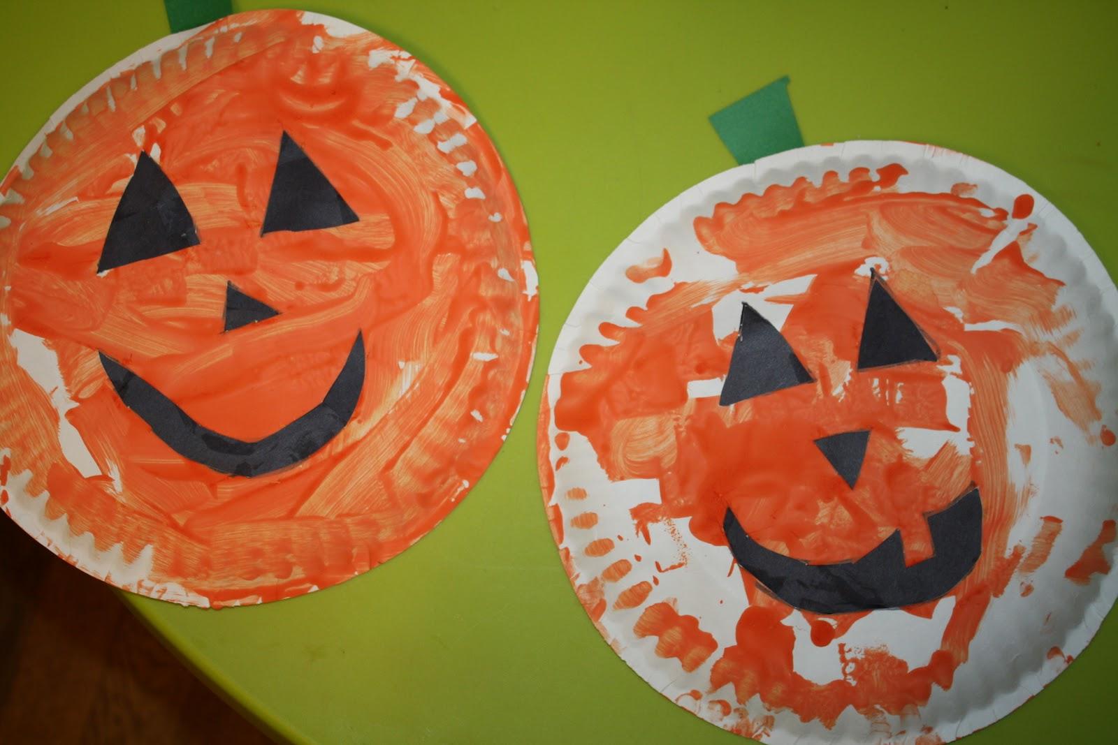 Jack-O-Lantern paper plate craft & Kennau0027s Felt Forest: Jack-O-Lantern paper plate craft